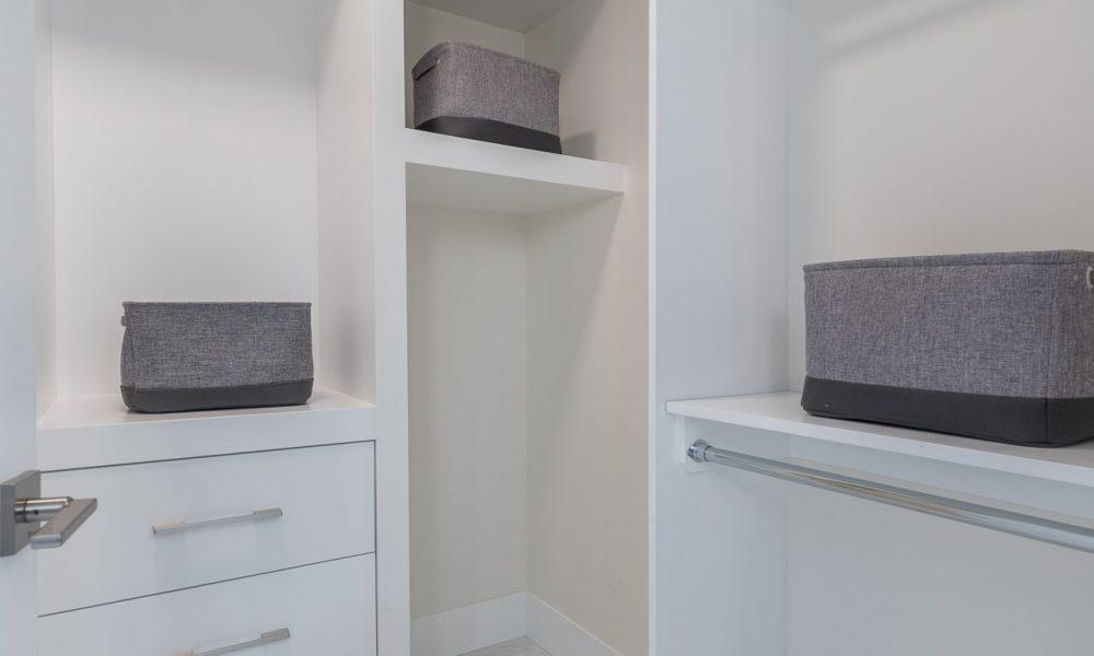 40-Master Bedroom Closet